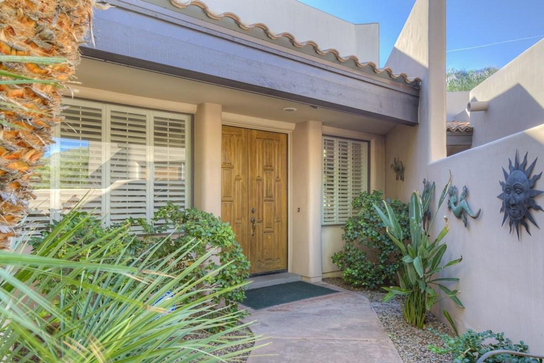 Adosado por un Venta en Beautiful 24/7 guard-gated patio home in the heart of Scottsdale 6711 E CAMELBACK RD #55 Scottsdale, Arizona 85251 Estados Unidos