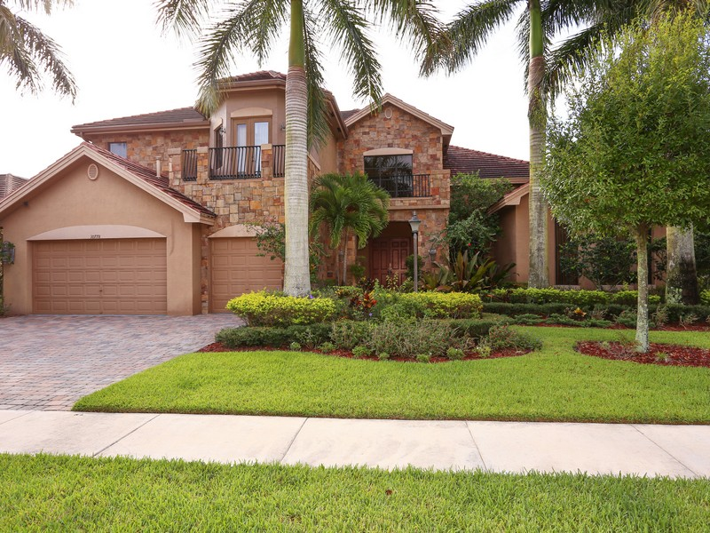 Single Family Home for Sale at 10778 Versailles Blvd Versailles, Wellington, Florida 33414 United States
