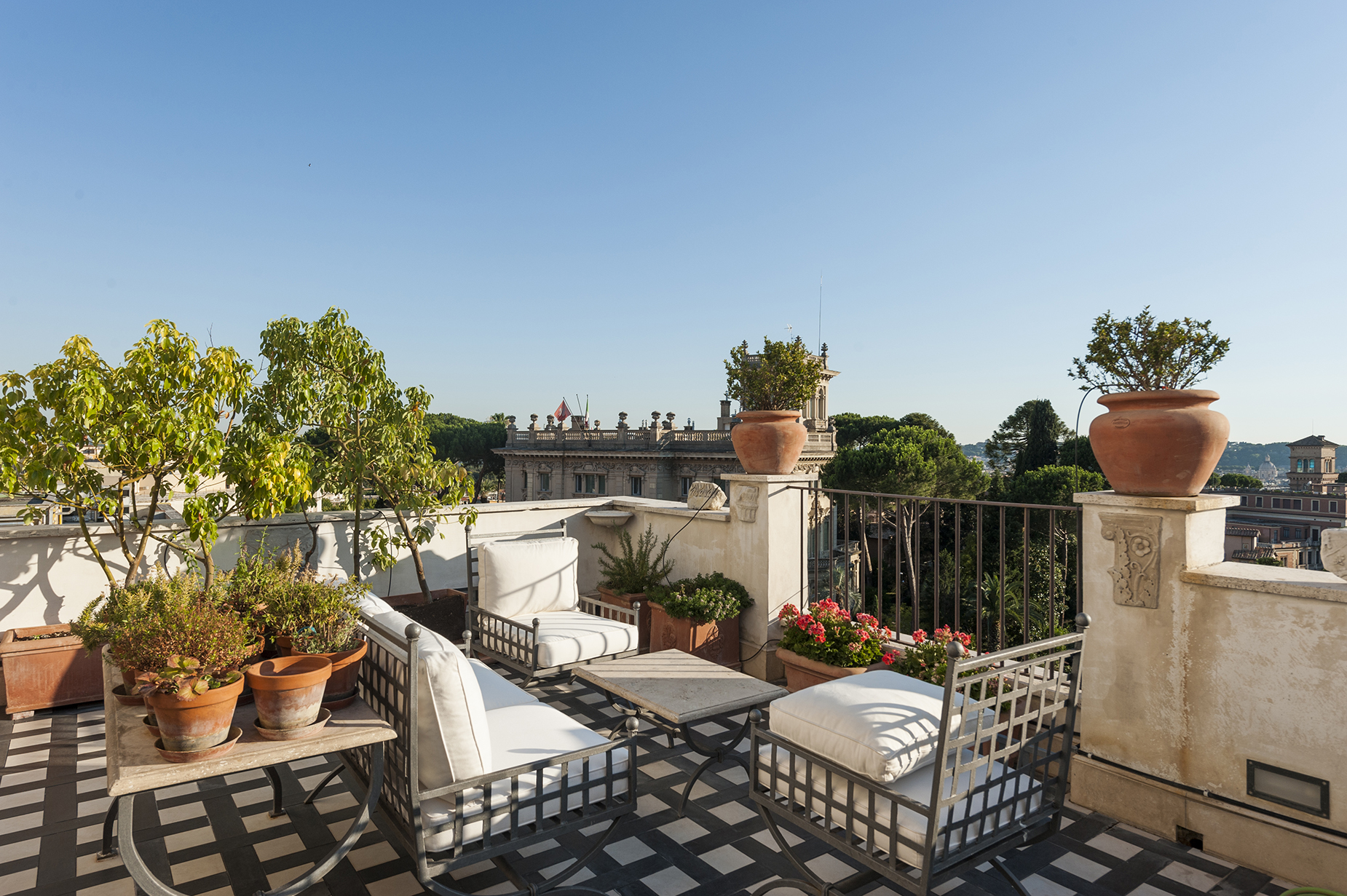 Additional photo for property listing at Stunning penthouse with 360 ° view of the eternal city Rome, Roma Italia