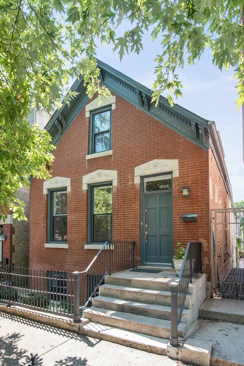 Maison unifamiliale pour l Vente à Spectacular Renovated Home 1932 N Honore Street Logan Square, Chicago, Illinois, 60622 États-Unis