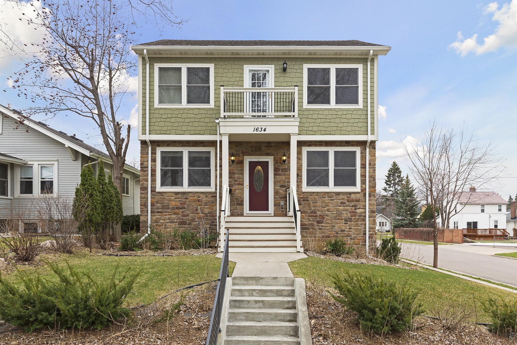 独户住宅 为 销售 在 1634 Hartford Ave 圣保罗, 明尼苏达州, 55119 美国