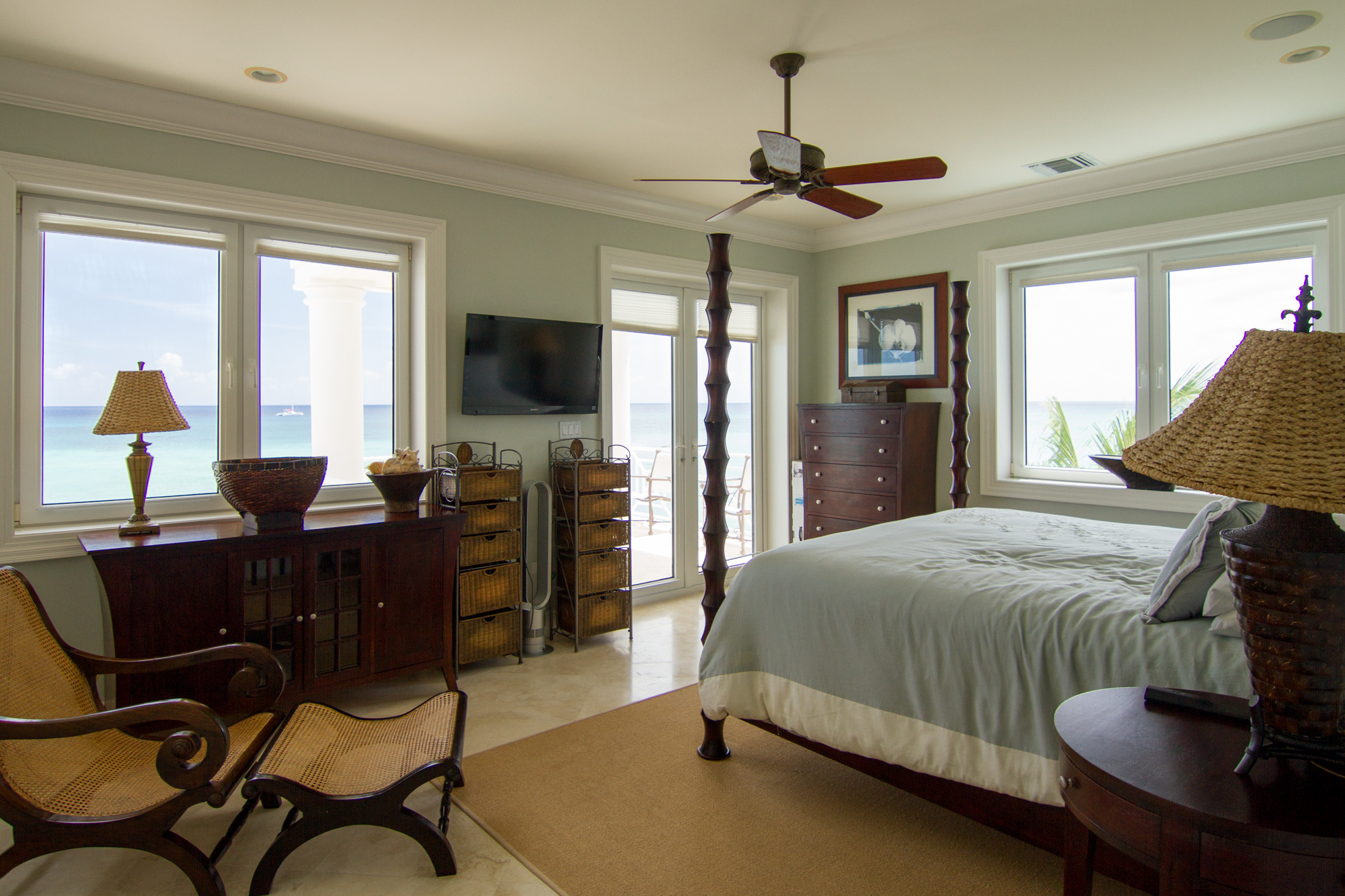 Additional photo for property listing at Seaforever Seven Mile Beach,  Cayman Islands