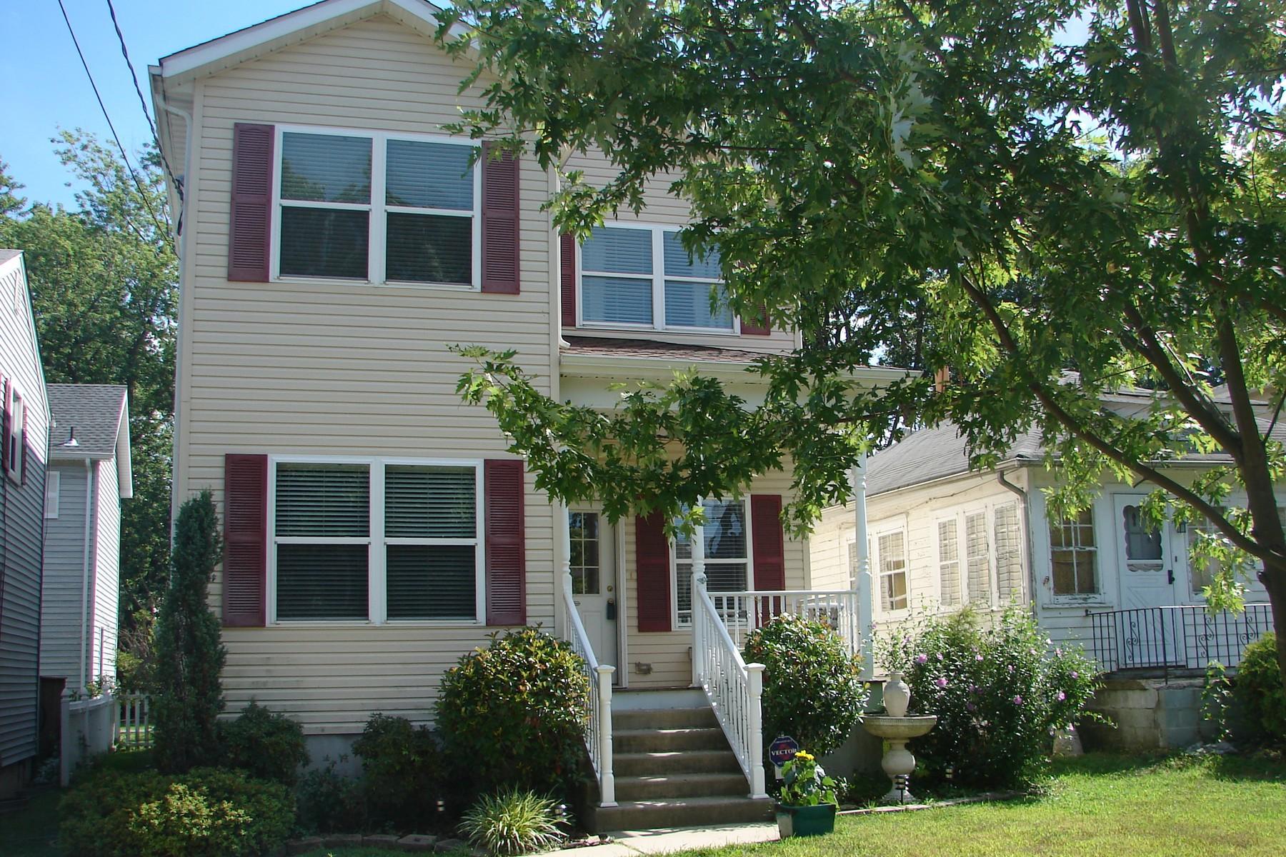 Single Family Home for Sale at 118 Burlington Avenue Leonardo, New Jersey 07737 United States