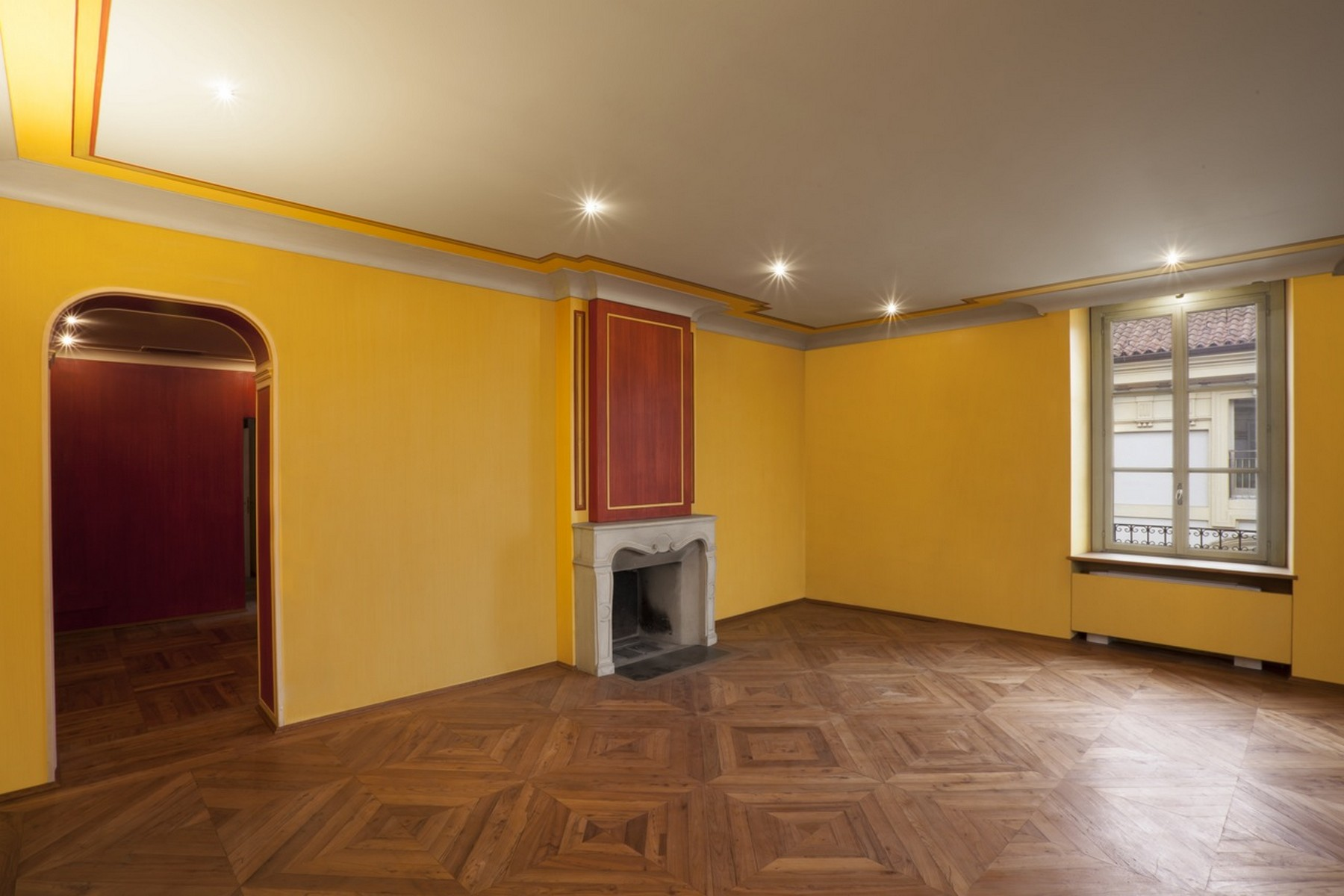 Additional photo for property listing at Prestigious apartment with views on Piazza Castello Torino, Turin Italien