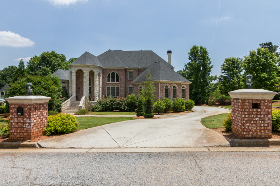 Maison unifamiliale pour l Vente à Breathtaking Custom Home 2328 Spencers Way Stone Mountain, Georgia 30087 États-Unis