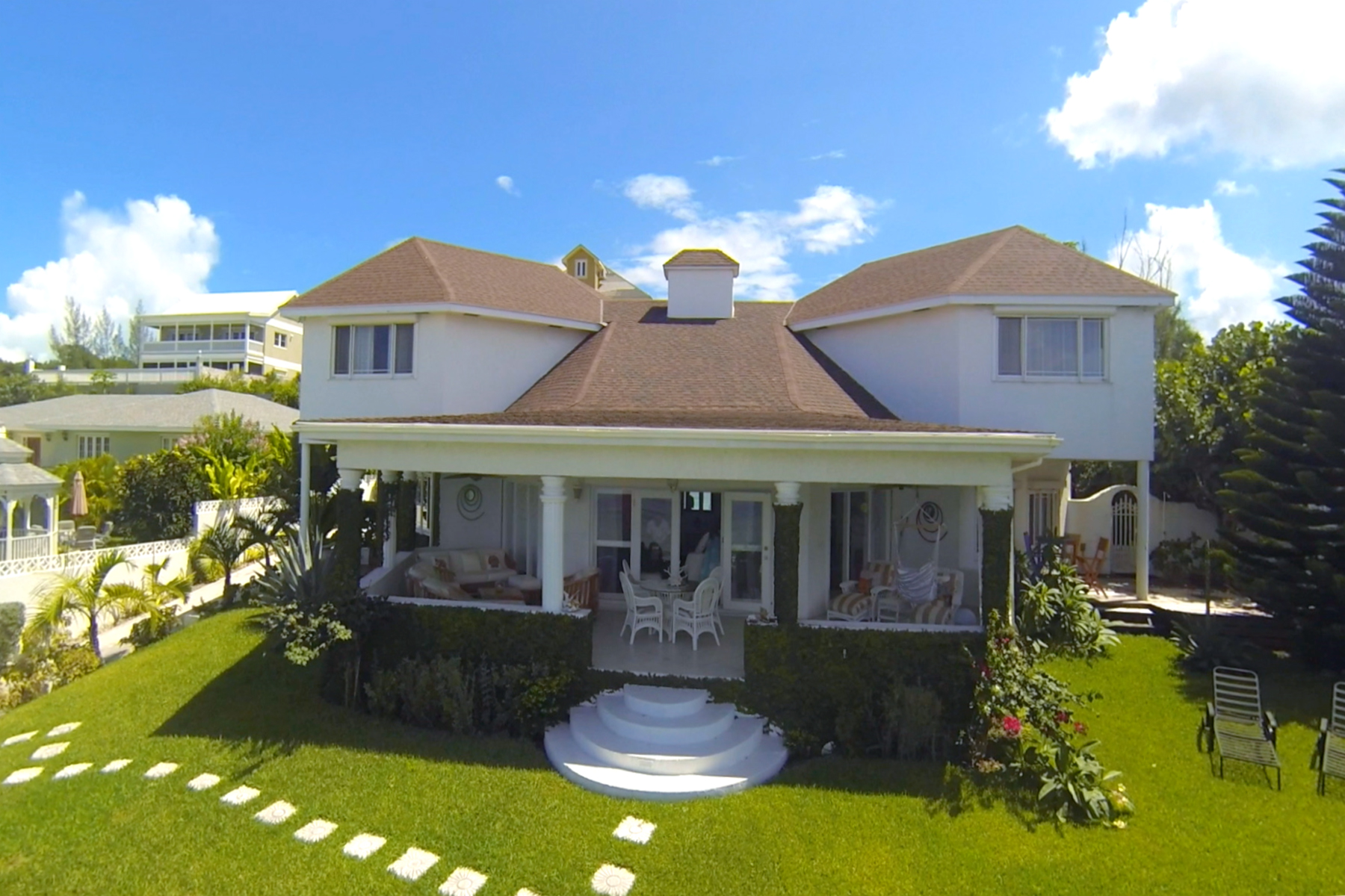 Single Family Home for Sale at West Bay Street Home Orange Hill, West Bay Street, Nassau And Paradise Island Bahamas