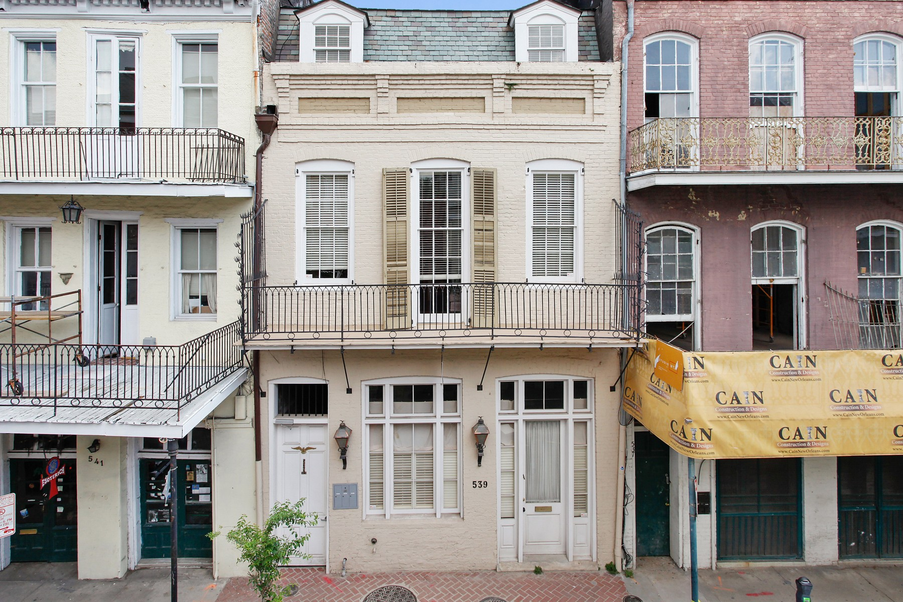 Property For Sale at 539 Dumaine St