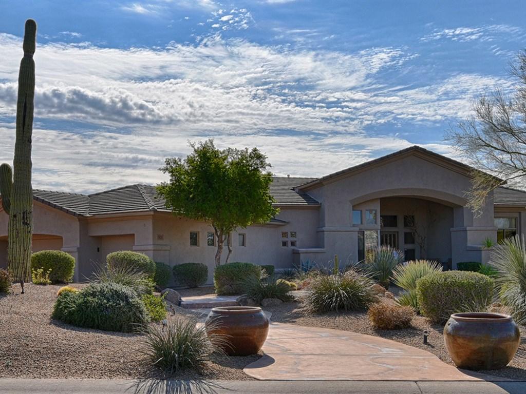 Maison unifamiliale pour l Vente à Premium Interior 1.3 Acre Lot 7451 E Buckhorn Trail Scottsdale, Arizona 85266 États-Unis