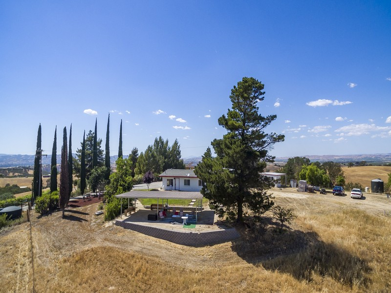 Single Family Home for Sale at Panoramic Views 6390 Vista De Robles Place Paso Robles, California 93446 United States