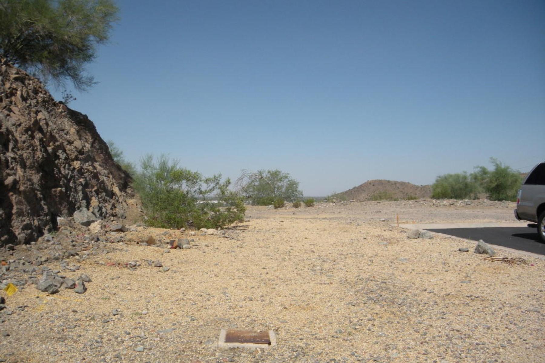 Terrain pour l Vente à Gorgeous hilltop lot with Awe inspiring million dollar panoramic views 10004 N 1st Dr #10 Phoenix, Arizona, 85021 États-Unis