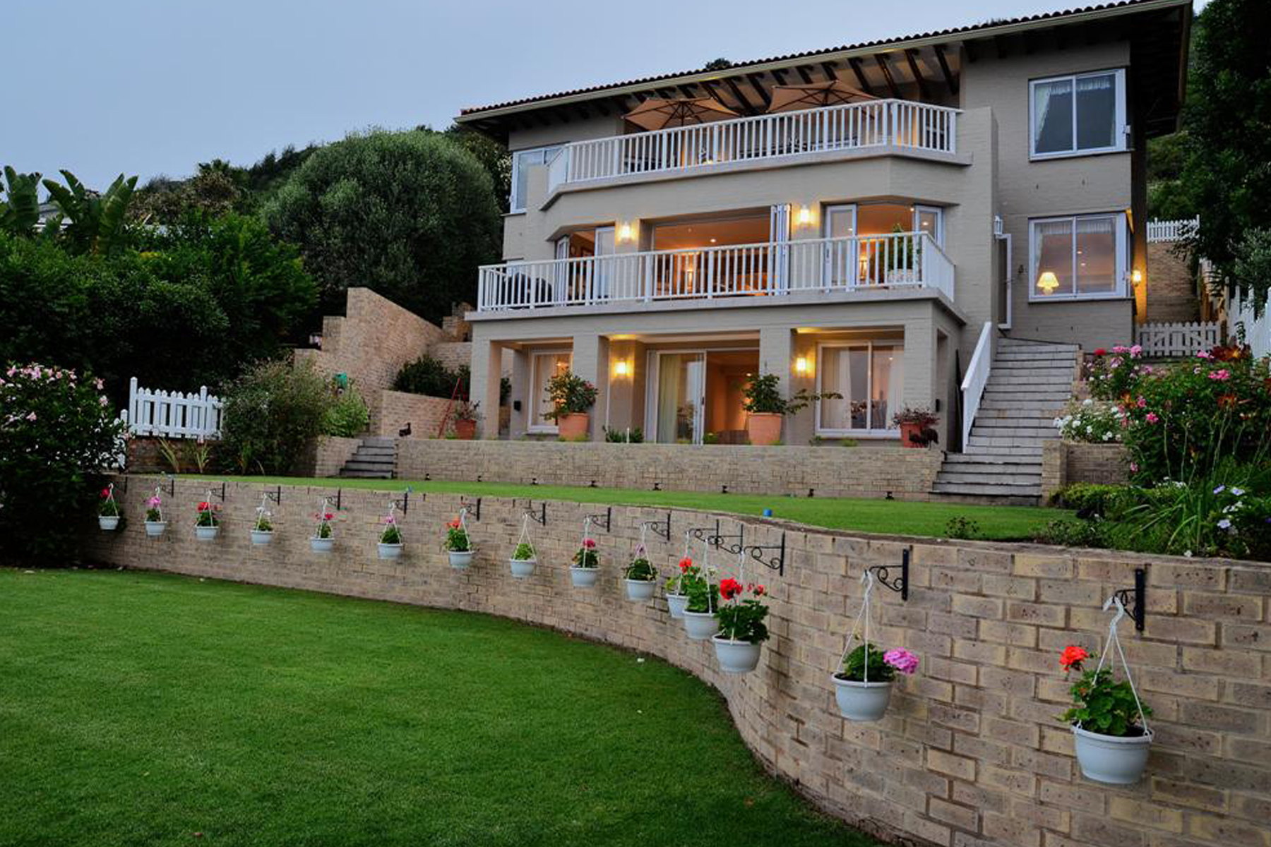 Single Family Home for Sale at Knysna Knysna, Western Cape, 6571 South Africa