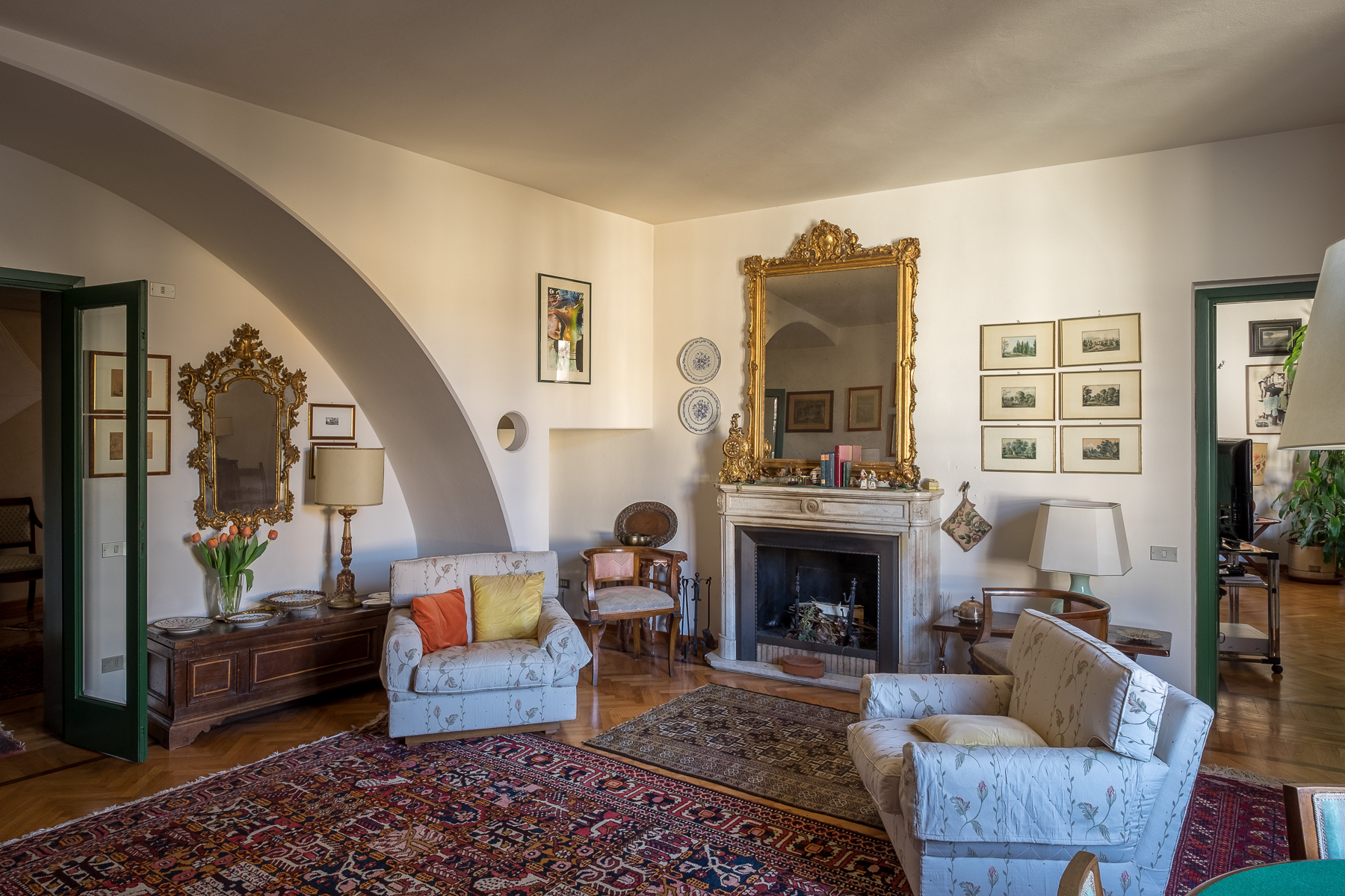 Additional photo for property listing at Exquisite penthouse in period building Borgo Santa Croce Firenze, Florence 50100 Italia