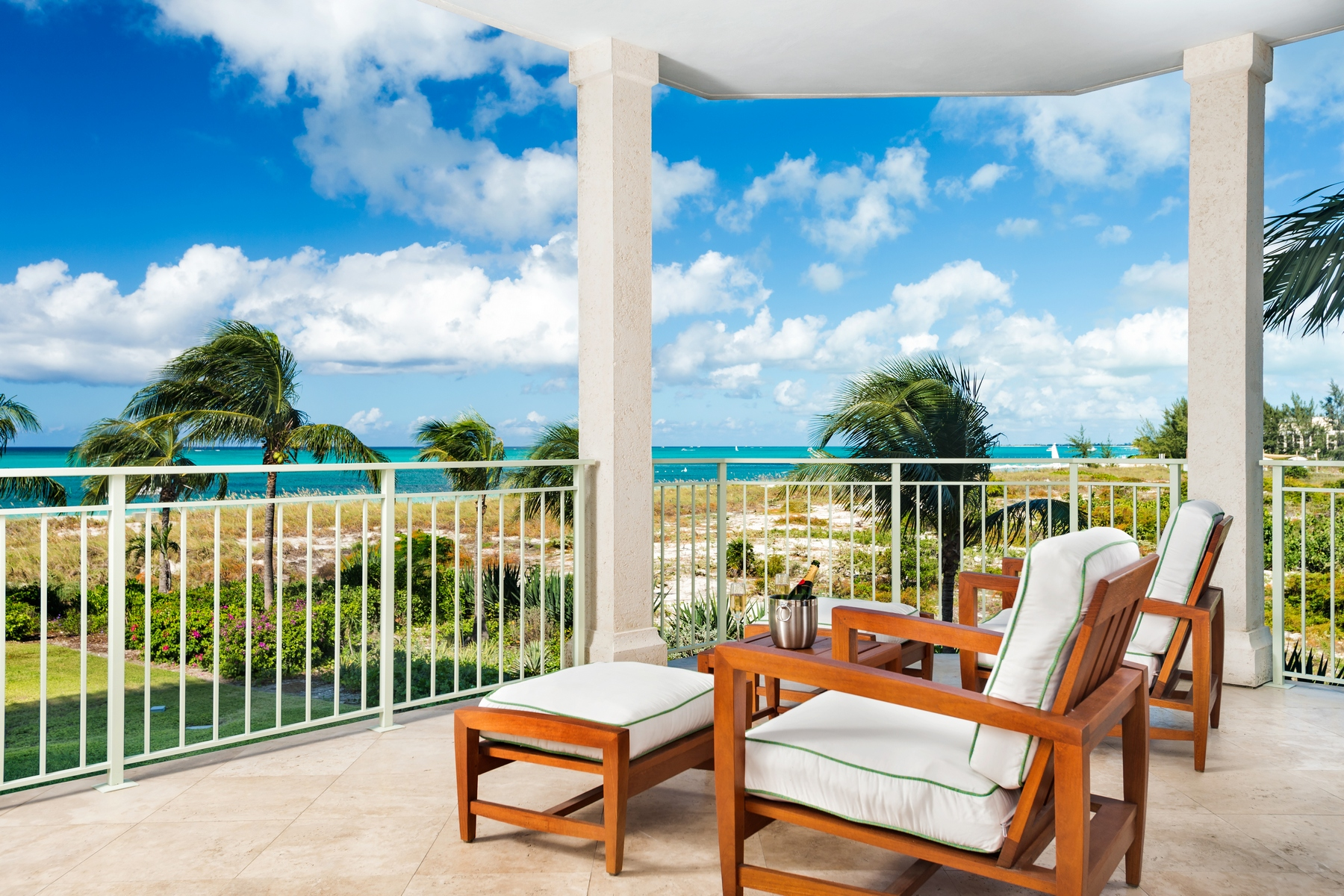 Piso por un Venta en West Bay Club - Suite 209 West Bay Club, Grace Bay, Providenciales Islas Turcas Y Caicos