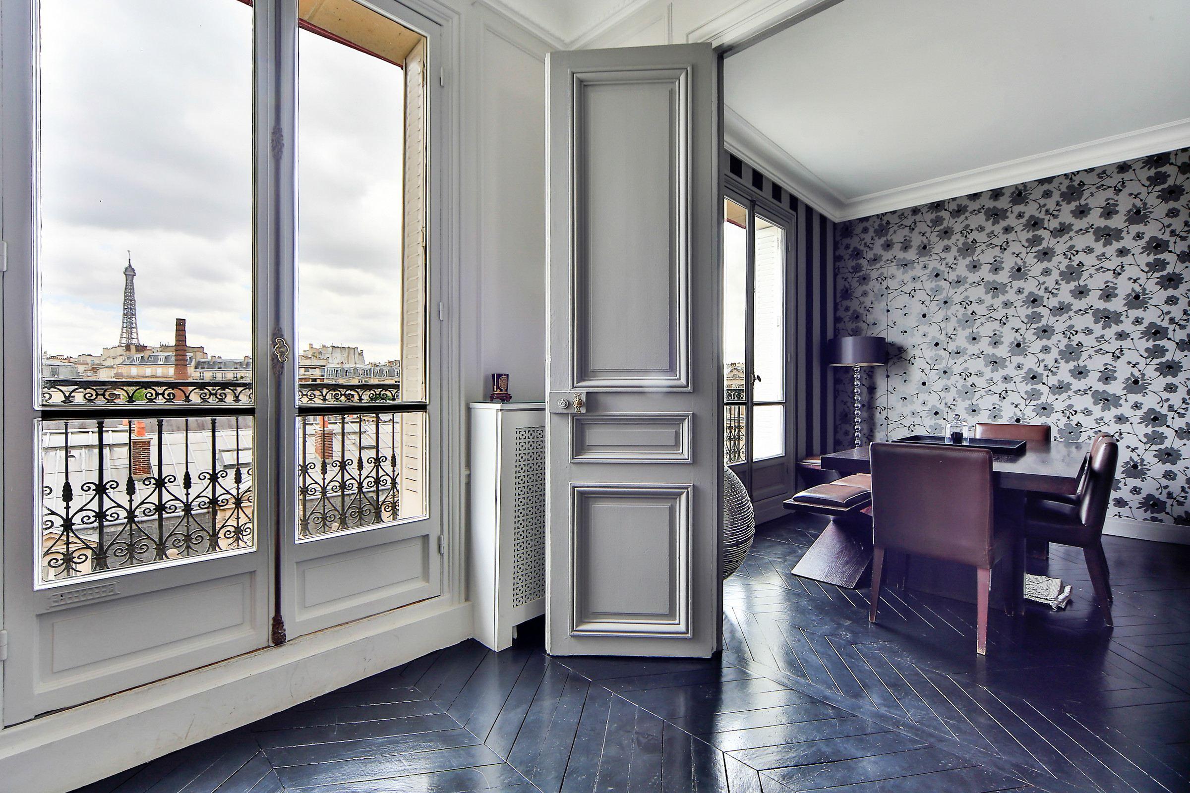 Property For Sale at Apartment - Belles Feuilles - Janson de Sailly