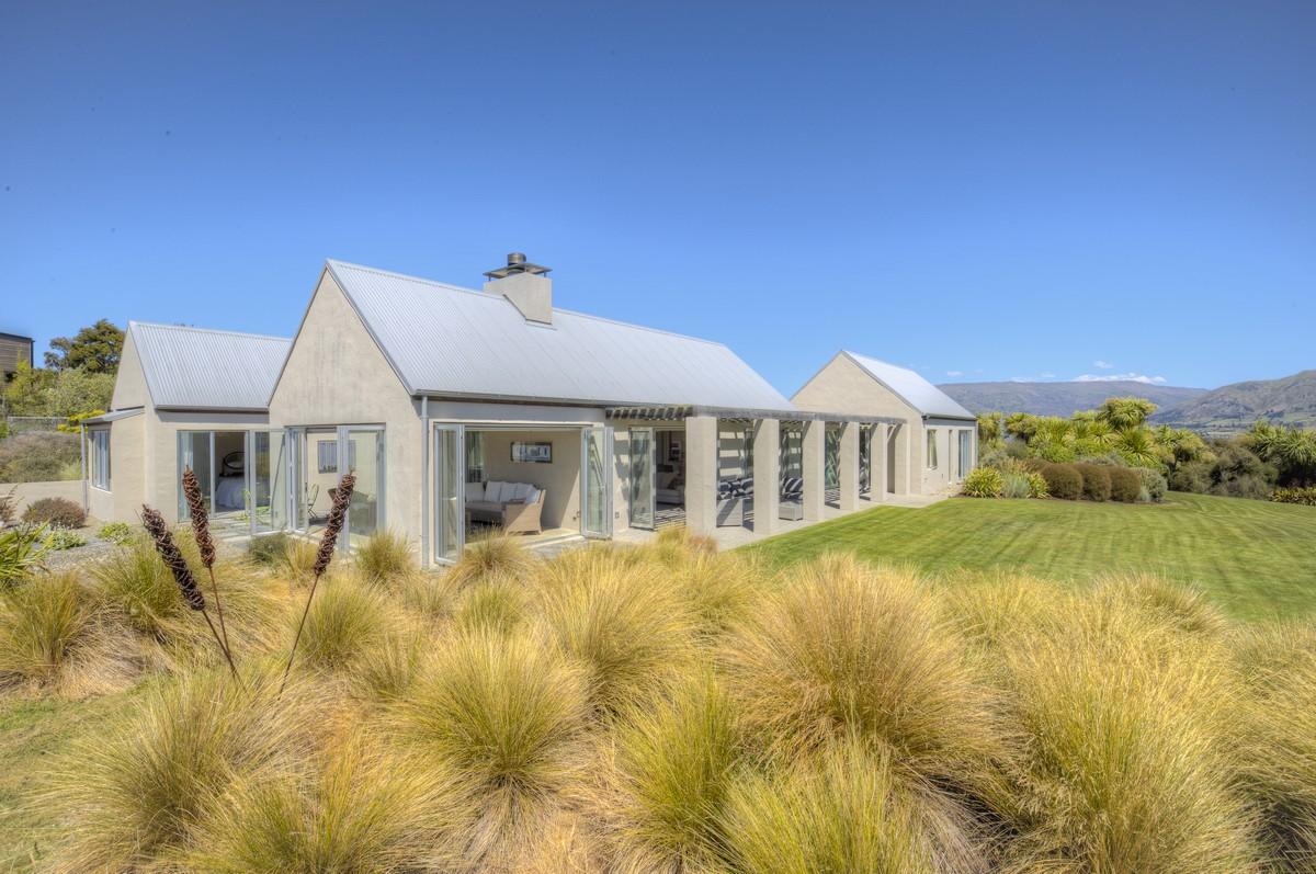 Другая жилая недвижимость для того Продажа на 24 Briar Bank Drive Wanaka, Отаго, 9305 Новая Зеландия