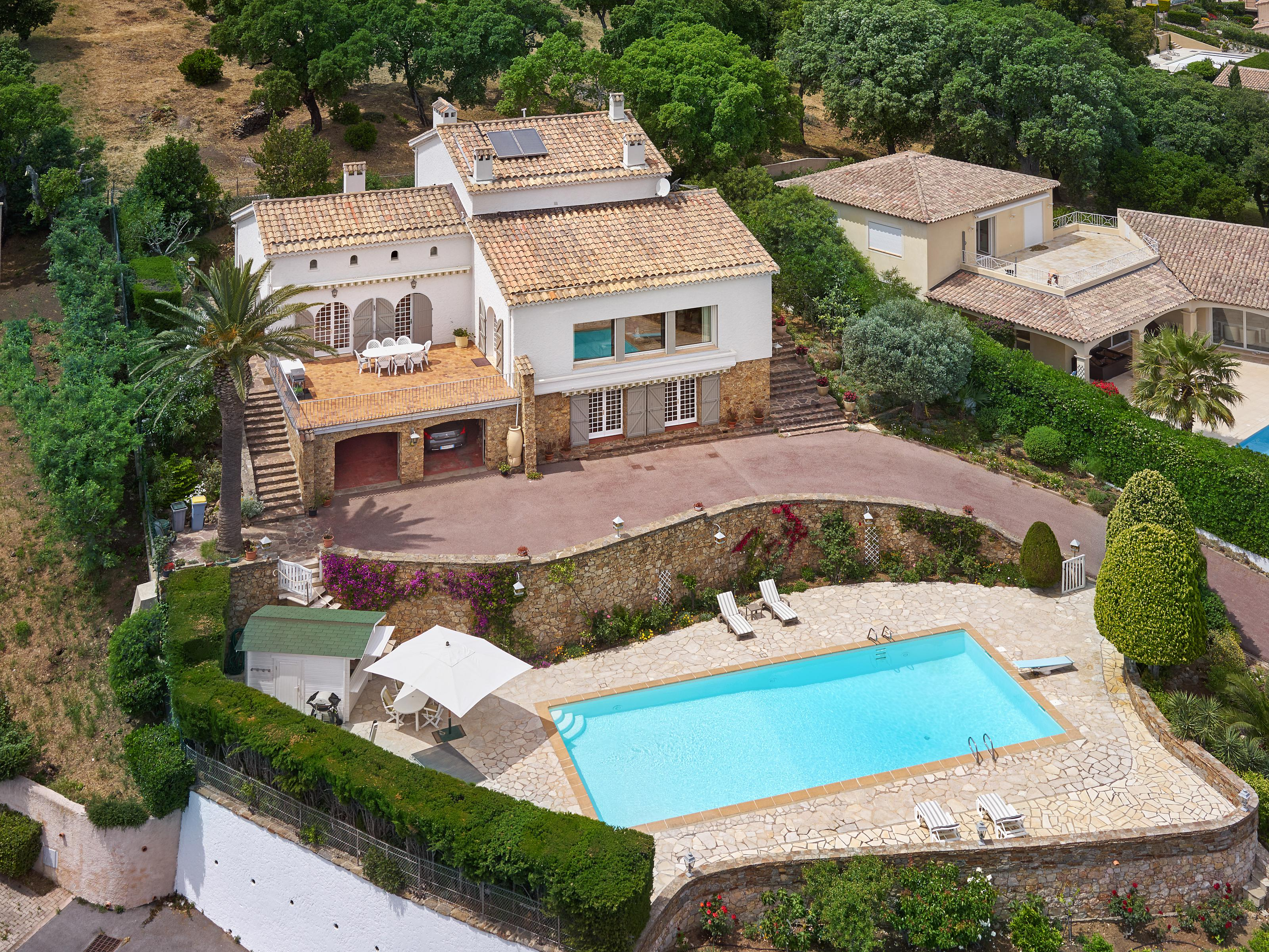 Maison unifamiliale pour l Vente à Villa close to the beach - Panoramic sea views Saint Maxime Other Provence-Alpes-Cote D'Azur, Provence-Alpes-Cote D'Azur 83380 France