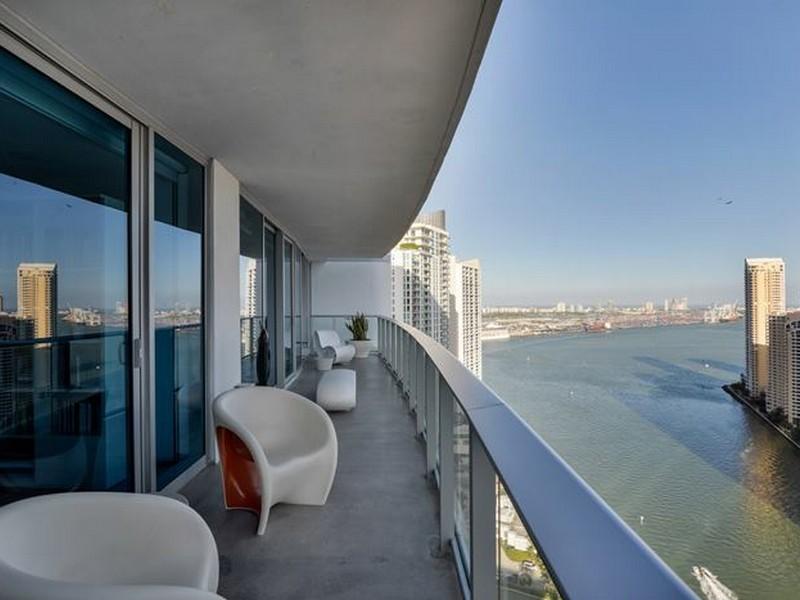 Eigentumswohnung für Verkauf beim 200 Biscayne Blvd. #3408 Miami, Florida 33131 Vereinigte Staaten