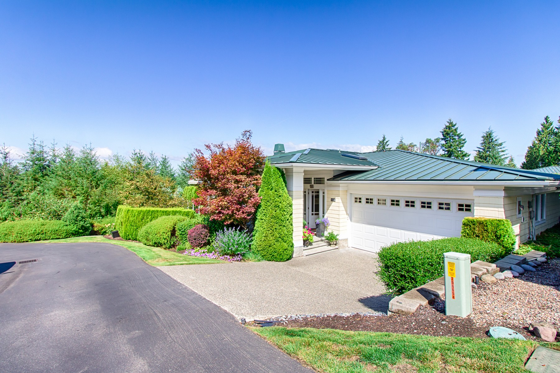 Single Family Home for Sale at Fabulous McCormick Ridge Condo 12228 59th Ave NW Unit 19 Gig Harbor, Washington, 98332 United States