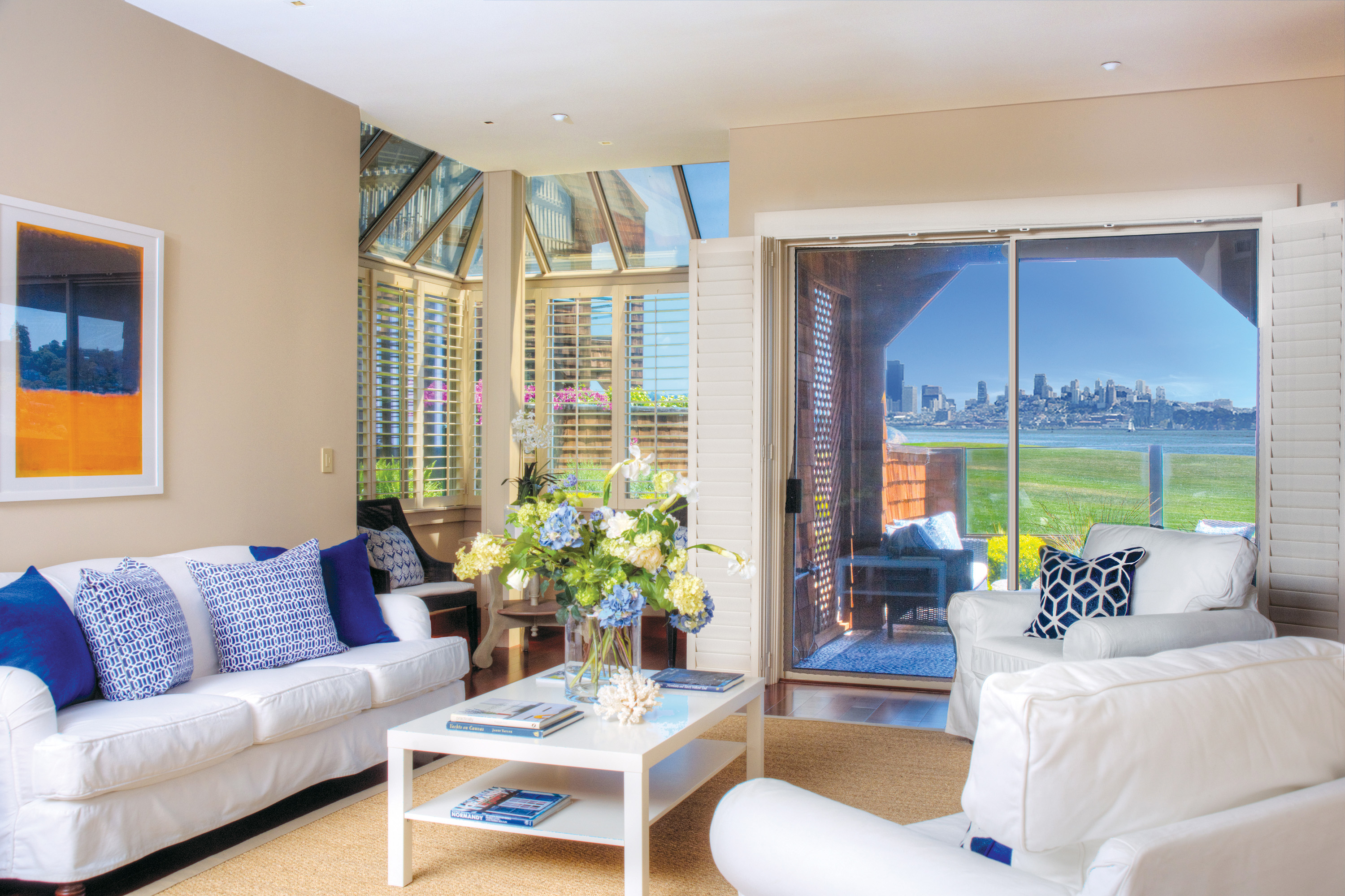 sales property at Point Tiburon Pied-a-terre