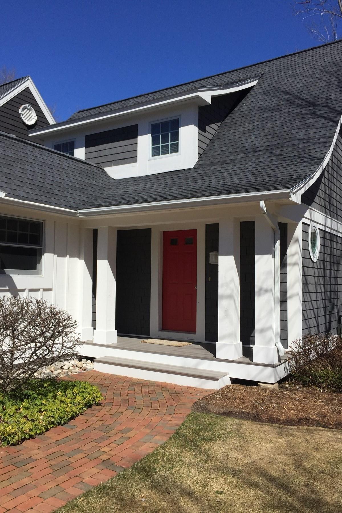 Condomínio para Venda às Hills Cottage #4 6059 Hills Cottage Court Bay Harbor, Michigan 49770 Estados Unidos