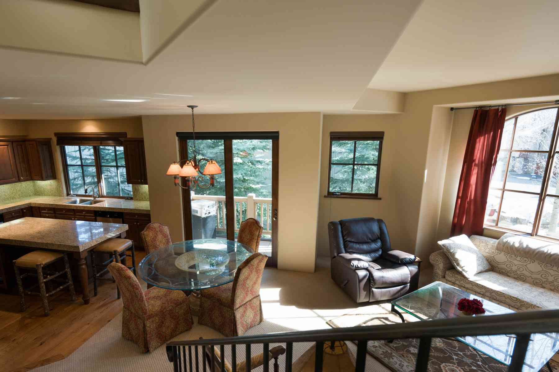 Additional photo for property listing at Private and Peaceful Townhome 145 Bird Dr C Ketchum, Idaho 83340 United States