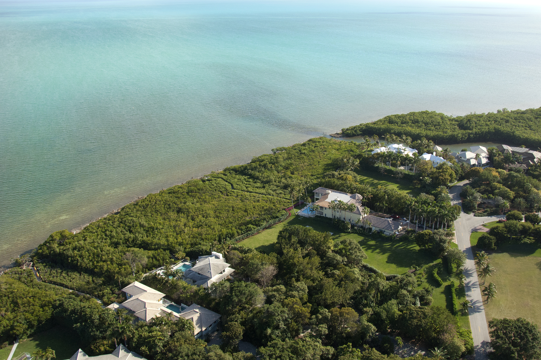 Земля для того Продажа на Ocean Front Vacant Lots at Ocean Reef 3 & 4 Osprey Lane Ocean Reef Community, Key Largo, Флорида, 33037 Соединенные Штаты