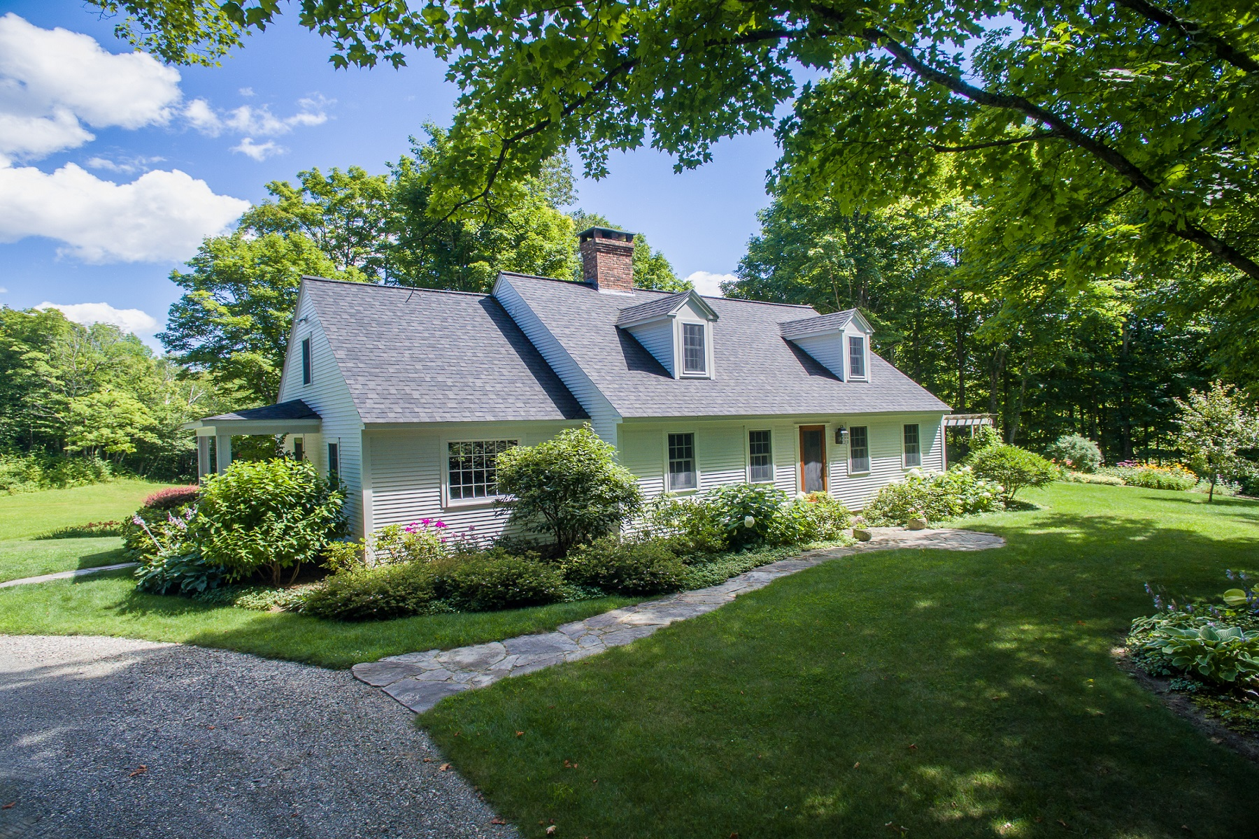 Single Family Home for Sale at Traditional Cape 944 South Perry Road Barnard, Vermont, 05031 United States
