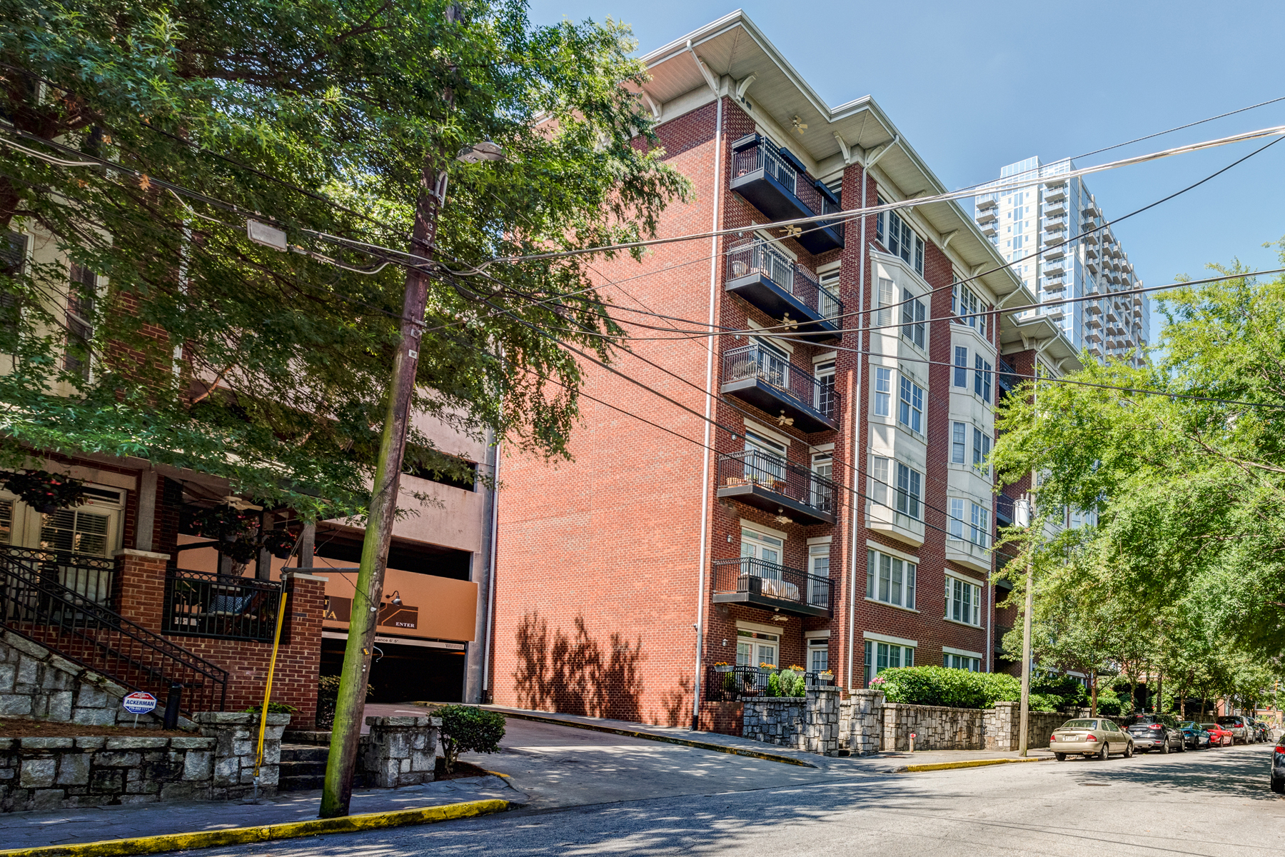 Condominio per Vendita alle ore Largest One Bedroom Floor Plan At The Dakota 850 Piedmont Avenue NE Unit 1601 Atlanta, Georgia, 30308 Stati Uniti
