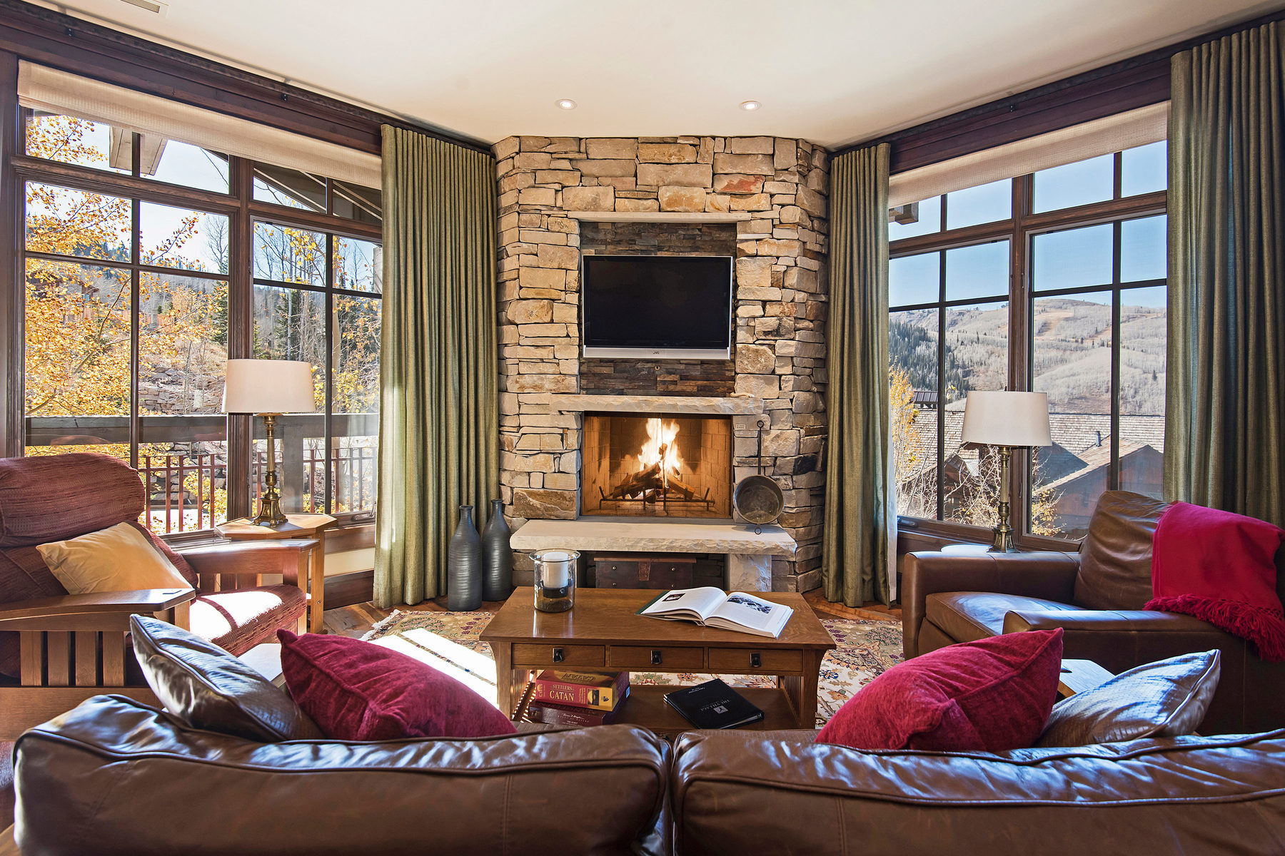 sales property at Deer Valley's Arrowleaf - A great Ski InOut Value