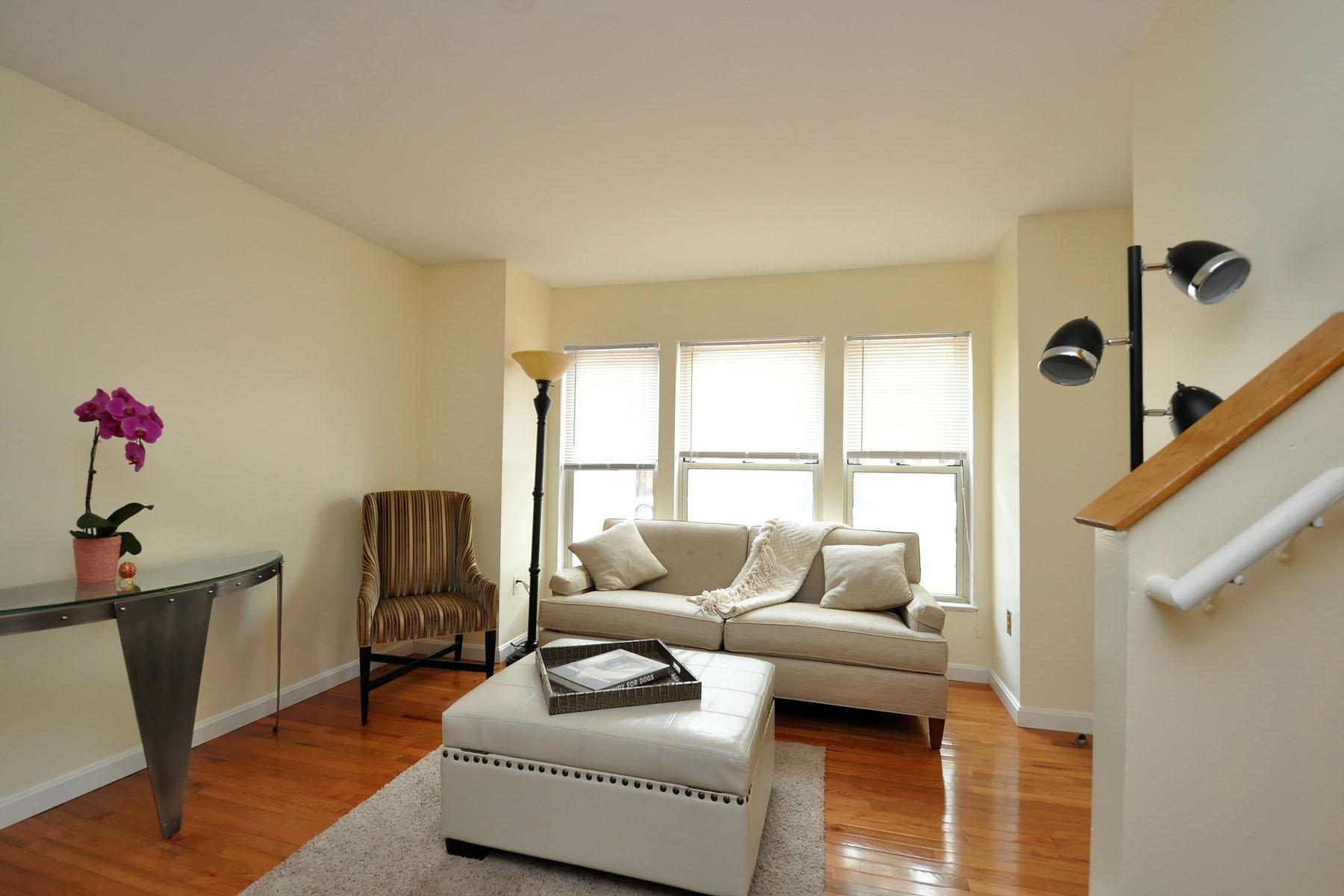 Nhà chung cư vì Bán tại South End Townhome 8 Douglas Park Unit 2 South End, Boston, Massachusetts 02118 Hoa Kỳ