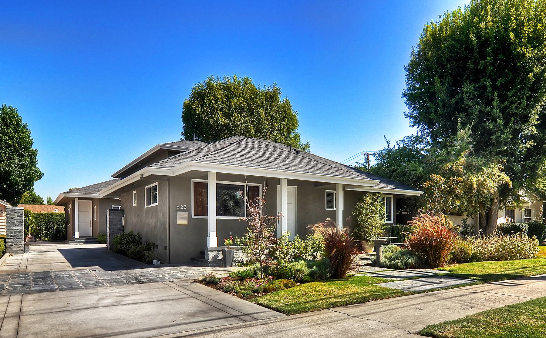 Duplex por un Venta en 623 E. Almond Ave. Orange, California 92866 Estados Unidos