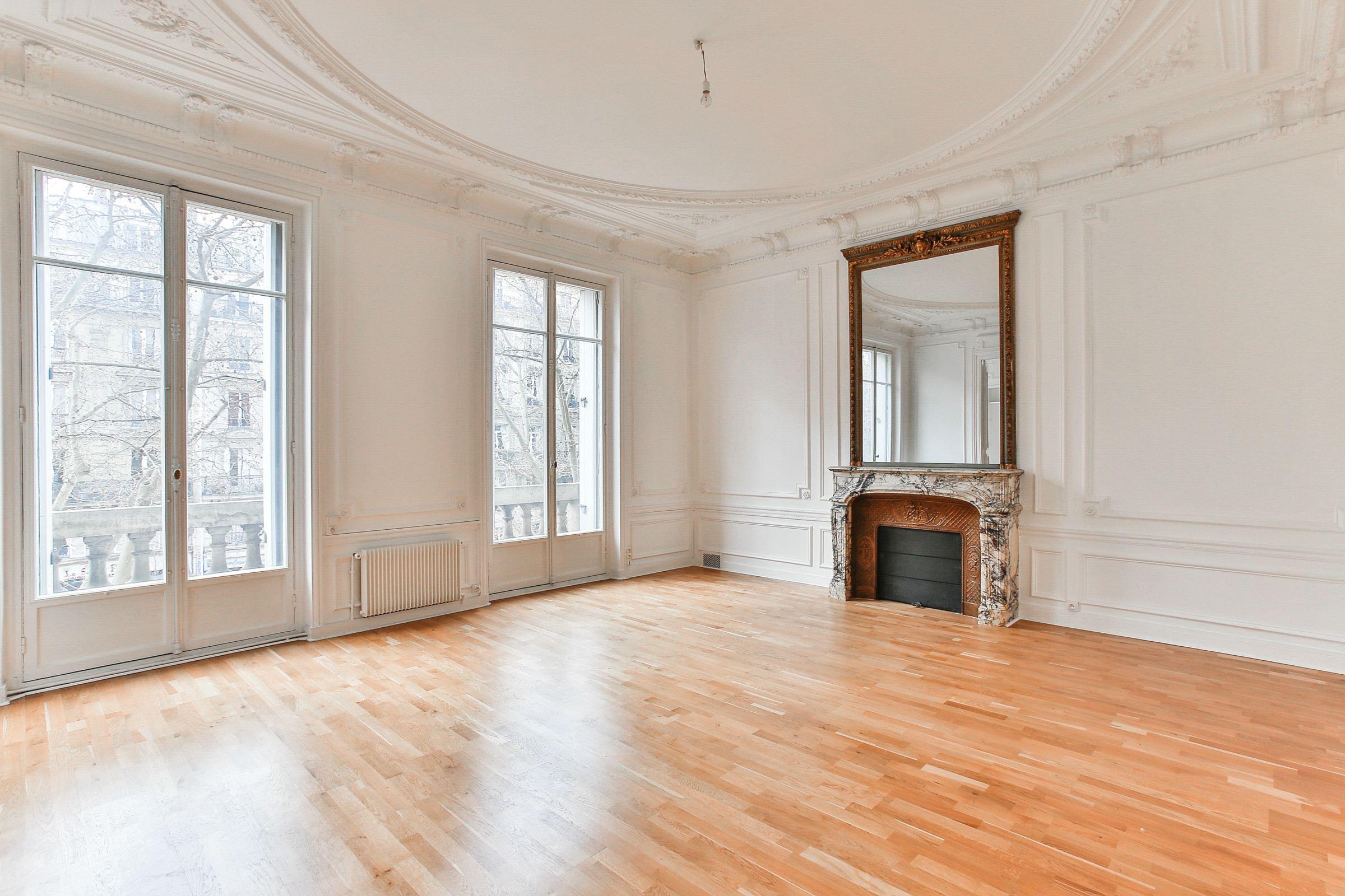 Appartement pour l Vente à Appartement - Villiers - Monceau Paris, Paris 75017 France