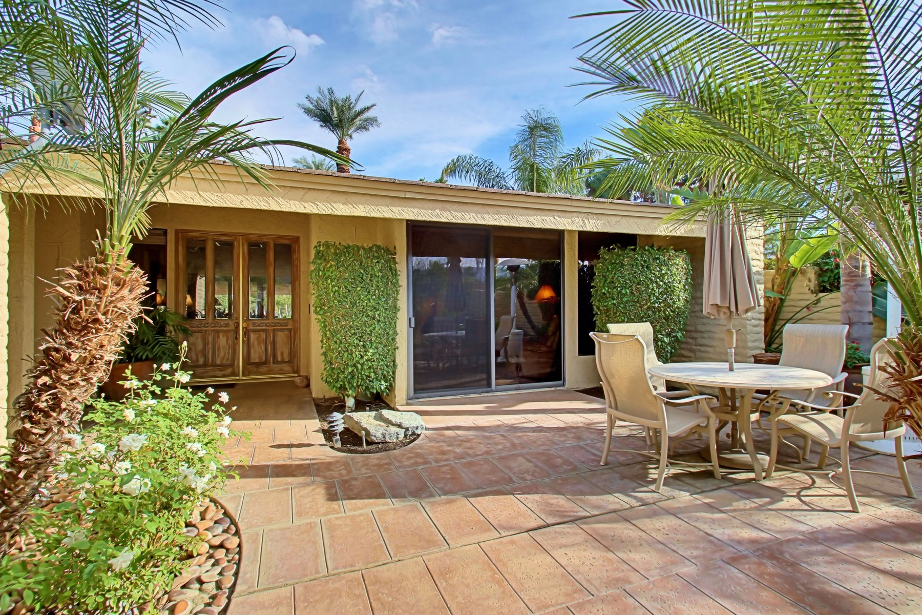 Single Family Home for Sale at 44988 Saint Helena Court Indian Wells, California 92210 United States