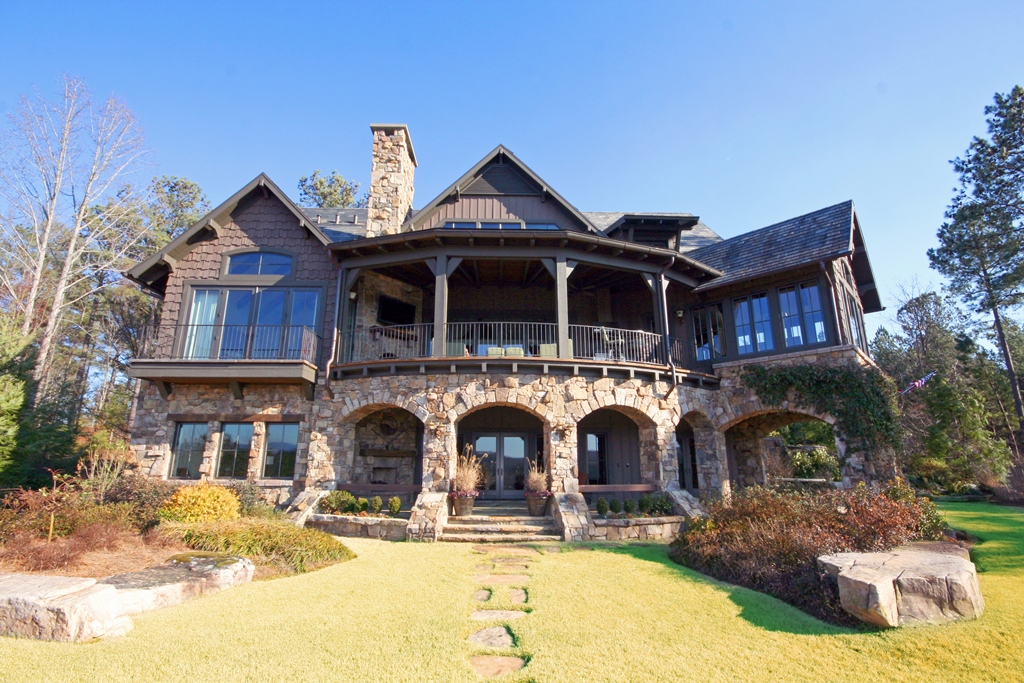 Villa per Vendita alle ore A Superbly Positioned Home with Sweeping Golf and Mountain Views 924 Firerock Court The Cliffs At Keowee Falls, Salem, Carolina Del Sud 29676 Stati Uniti