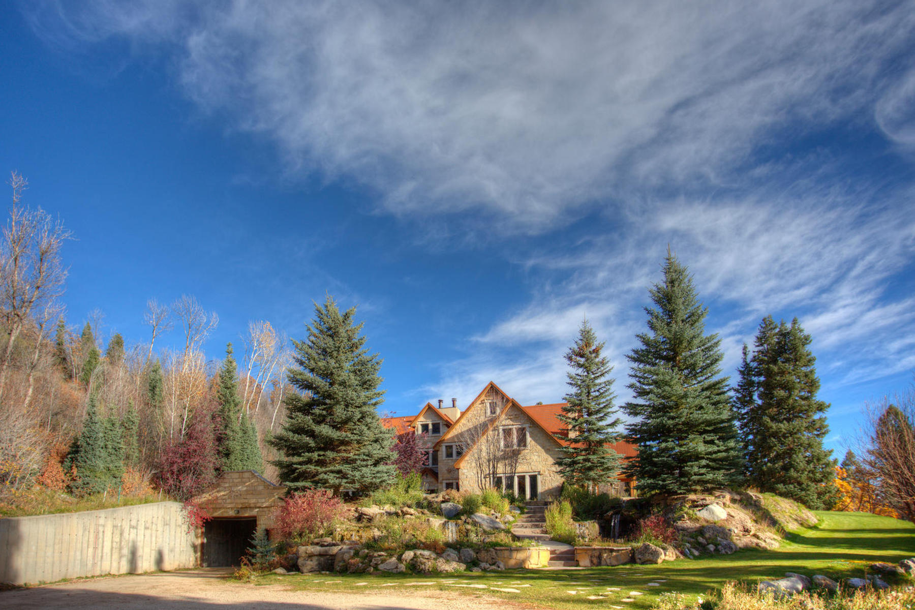 Maison unifamiliale pour l Vente à Stone Hill Mountain Retreat 2590 W Snake Creek Rd Midway, Utah 84049 États-Unis