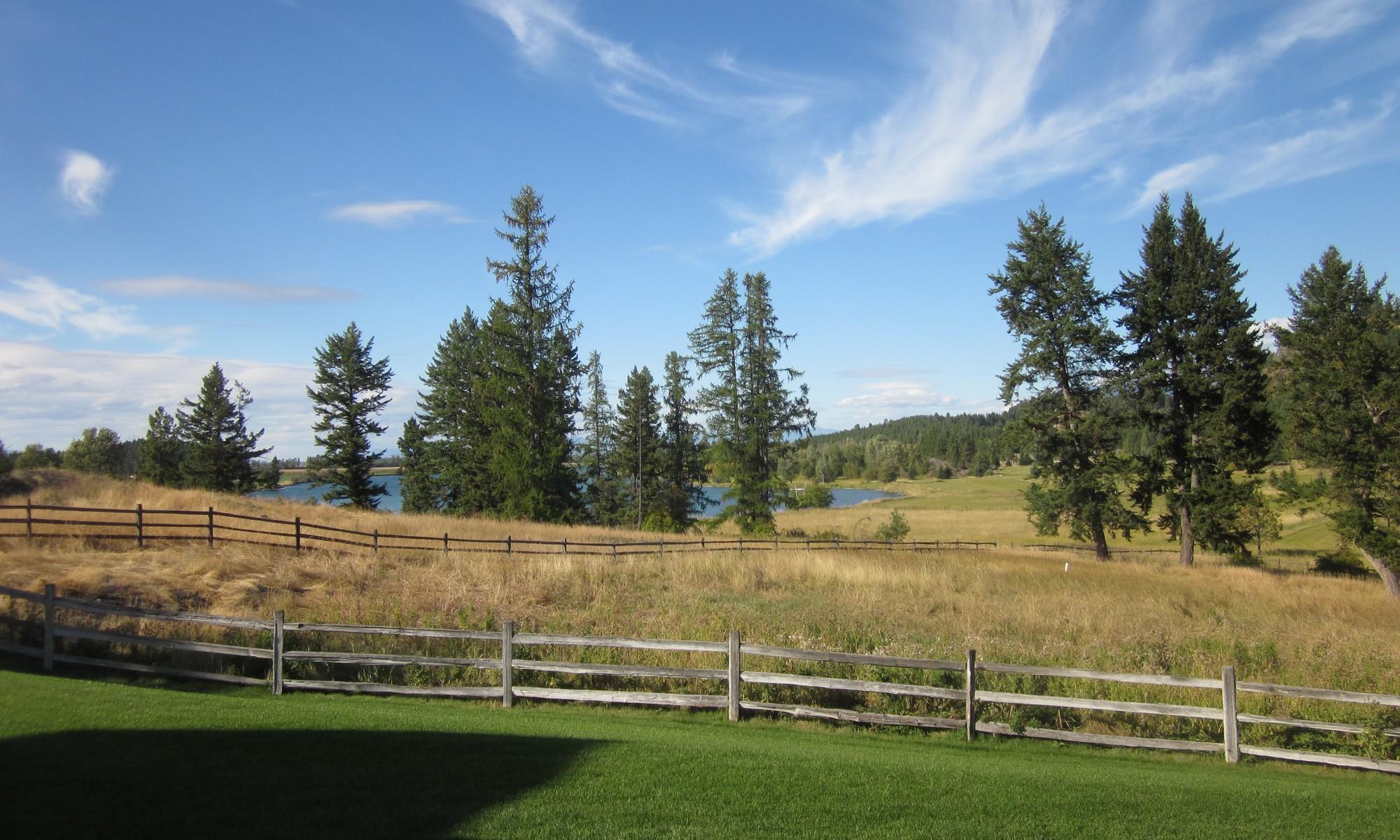 獨棟家庭住宅 為 出售 在 Flathead River Views 1160 Holt Drive Bigfork, 蒙大拿州, 59911 美國