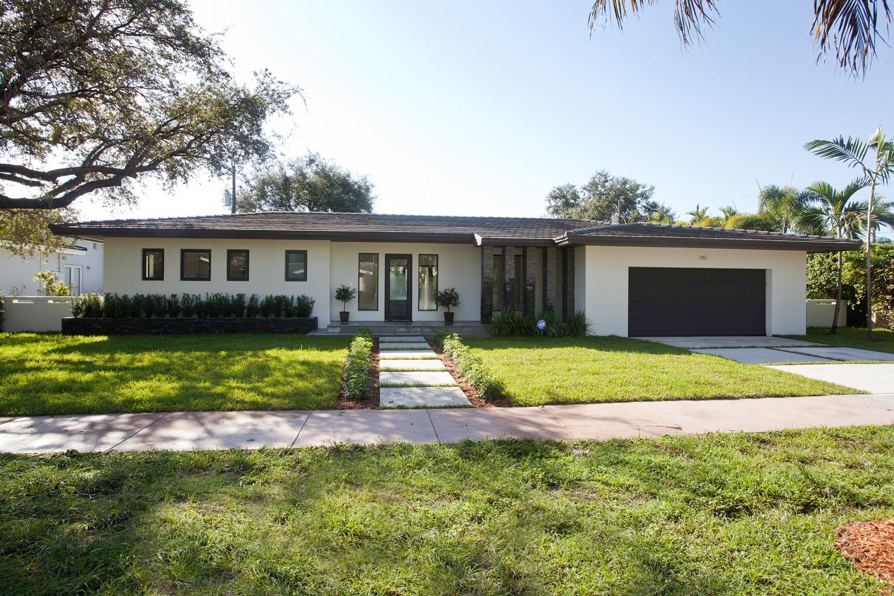 Casa para uma família para Venda às 740 Cremona Ave Coral Gables, Florida 33146 Estados Unidos