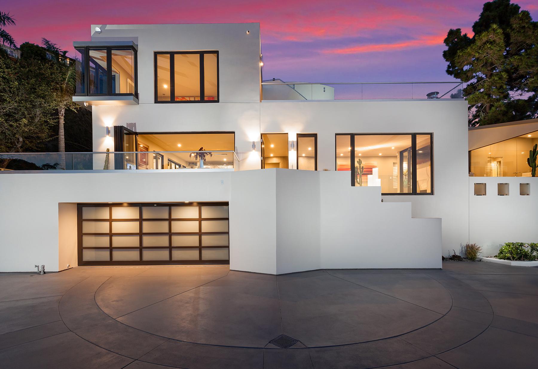Частный односемейный дом для того Продажа на 444 Ashton Drive Laguna Beach, Калифорния 92651 Соединенные Штаты
