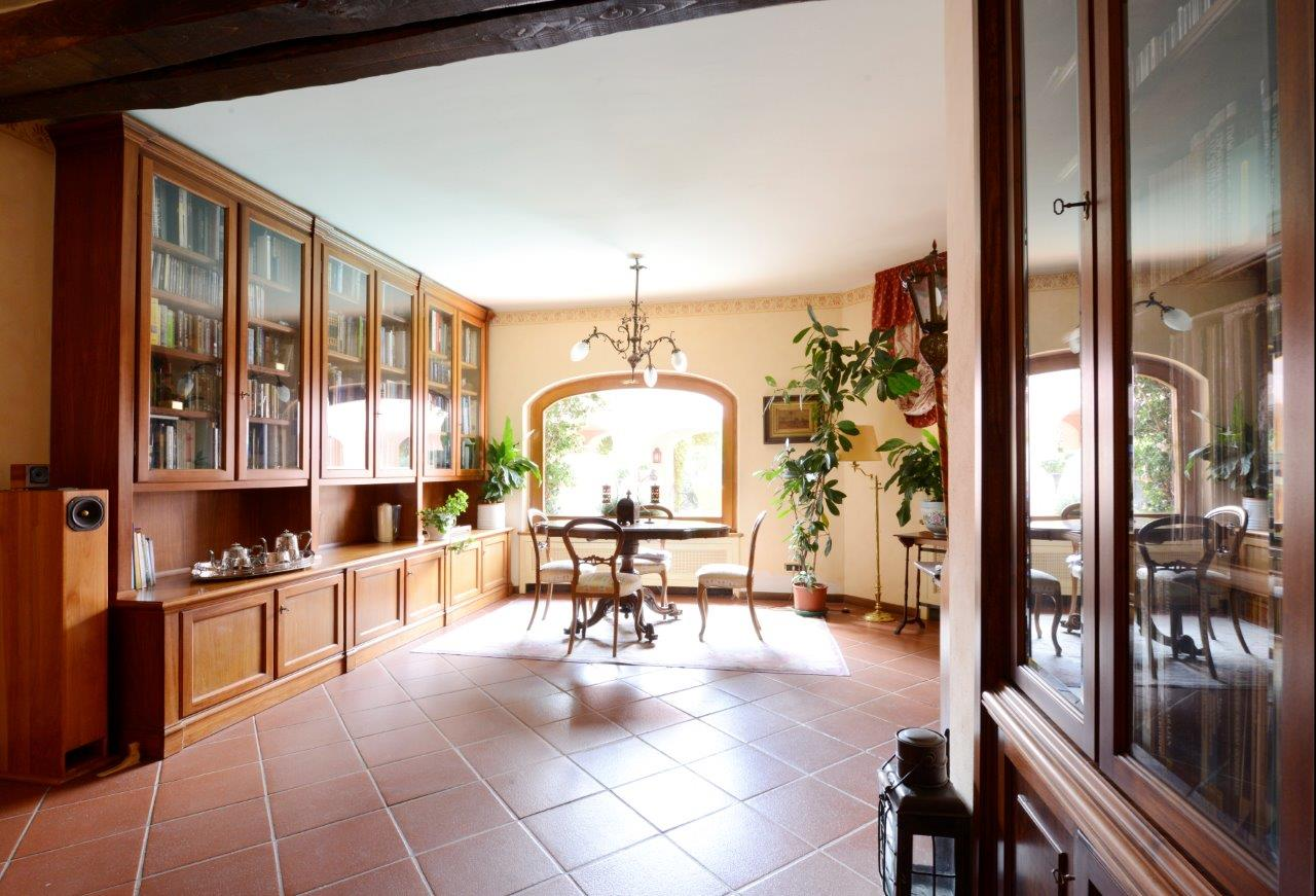 Additional photo for property listing at Charming villa surrounded with green park Loc. Aсquilaia Scansano, Grosseto 58054 Italien
