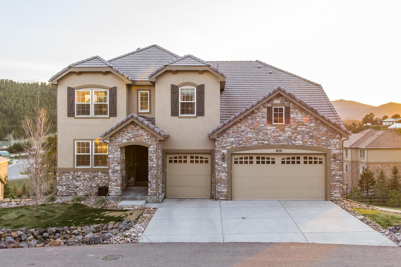 Maison unifamiliale pour l Vente à Gorgeous Contemporary Mountain Home 850 Elk Rest Road Evergreen, Colorado, 80439 États-Unis
