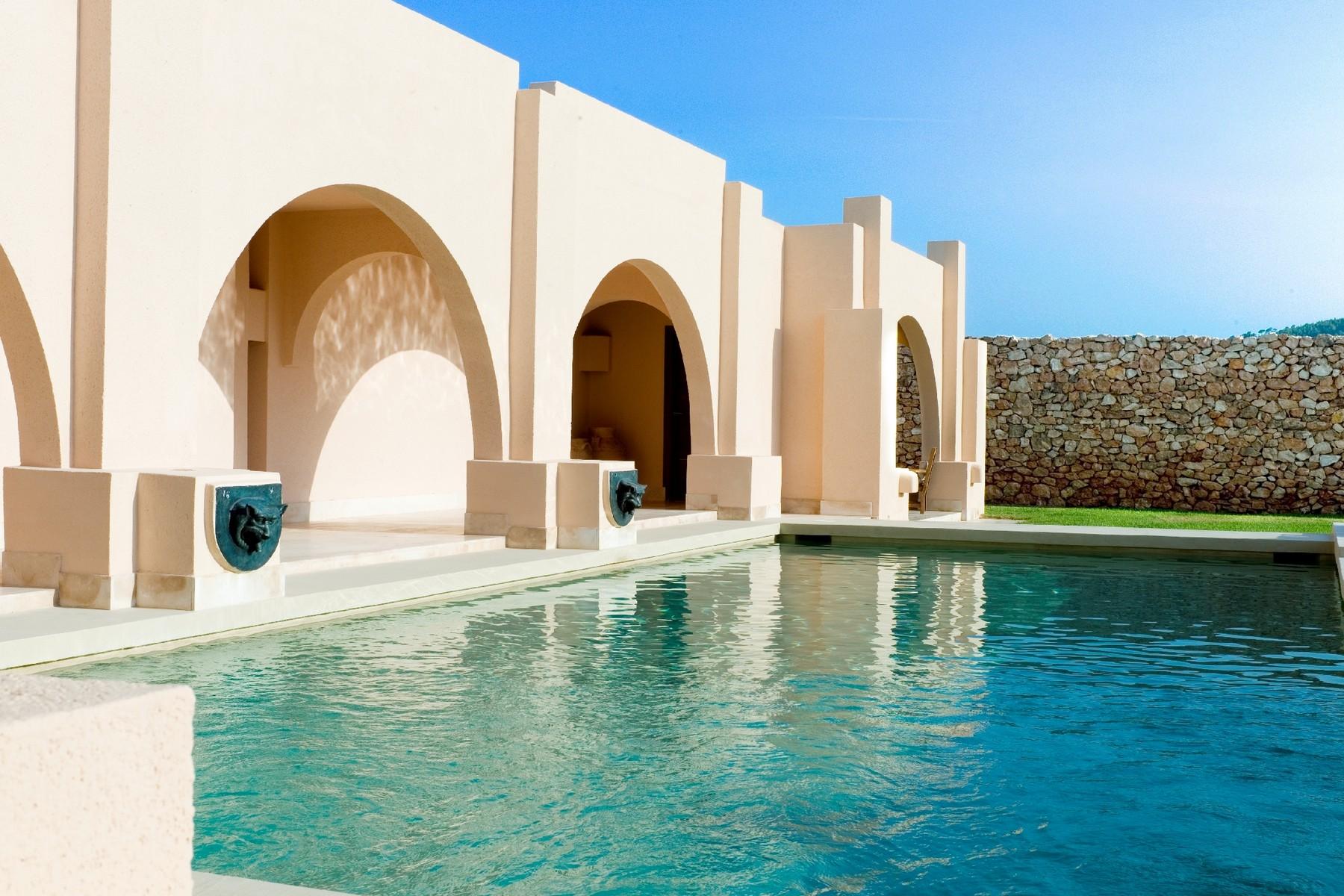 Property Of Magnificent frontline villa in Calo D´en Real