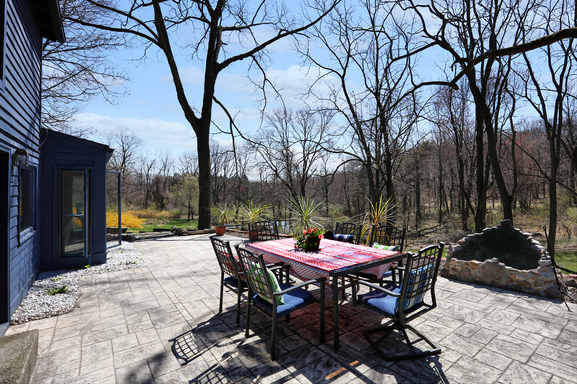 Additional photo for property listing at An Inspiring Place To Call Home - Alexandria Township 480 Mechlin Corner Road Pittstown, 新泽西州 08867 美国