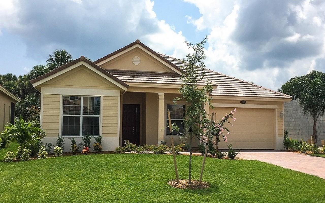 Casa Unifamiliar por un Venta en Carmel Grande 12 Model Home 1917 Newmark Circle SW Vero Beach, Florida, 32968 Estados Unidos