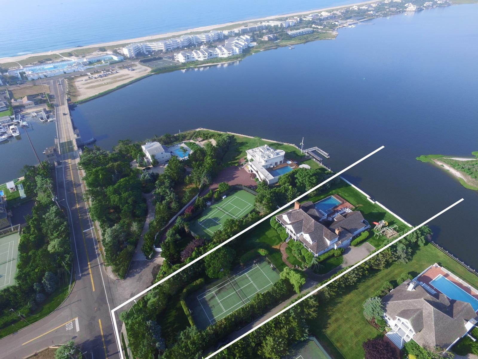 Moradia para Venda às Custom Built Bayfront Estate 133 Jessup Lane Westhampton Beach, Nova York 11978 Estados Unidos