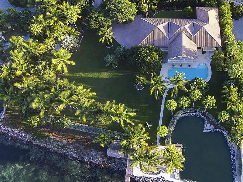 Maison unifamiliale pour l Vente à Bayfront Estate 57151 Morton Street Marathon, Florida 33050 États-Unis