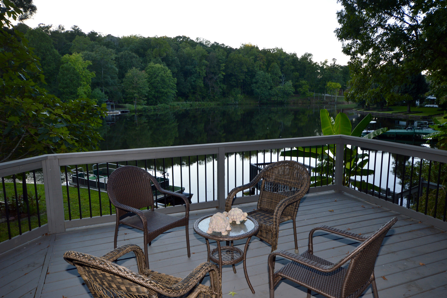 Additional photo for property listing at Lake Front Home Recently Renovated 120 Old Mill Court Fayetteville, 喬治亞州 30214 美國