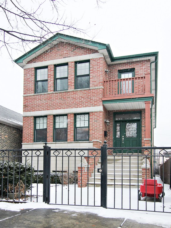Single Family Home for Sale at Newer Large Home 3635 S Parnell Avenue Chicago, Illinois 60609 United States