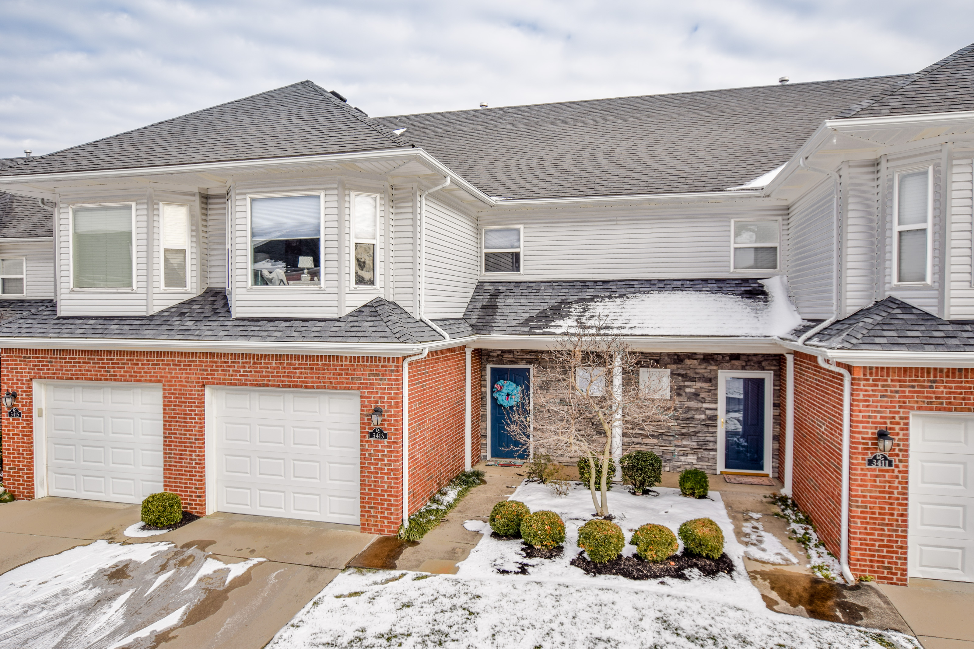 Townhouse for Sale at 3413 Pinnacle Gardens Drive Louisville, Kentucky 40245 United States