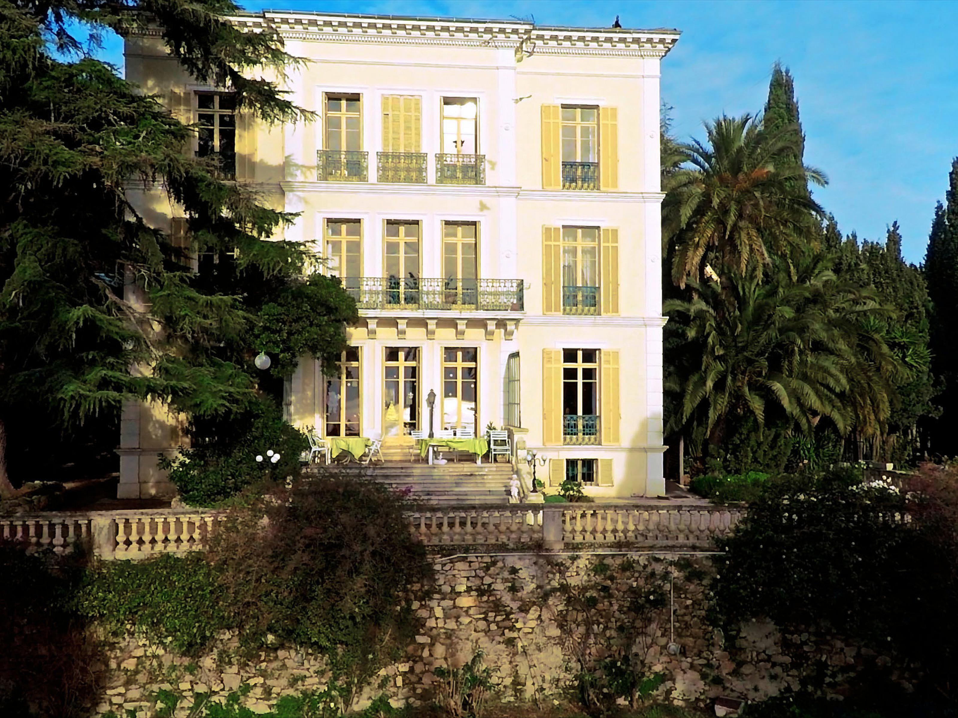 Single Family Home for Sale at Villa Héloise Cannes, Provence-Alpes-Cote D'Azur 06400 France