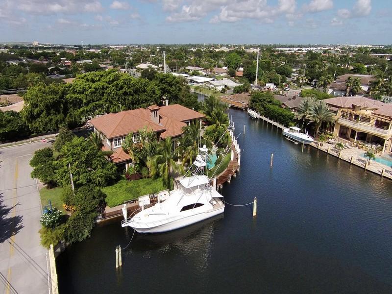 Casa Unifamiliar por un Venta en 3140 NE 23 Ave. Lighthouse Point, Florida 33064 Estados Unidos